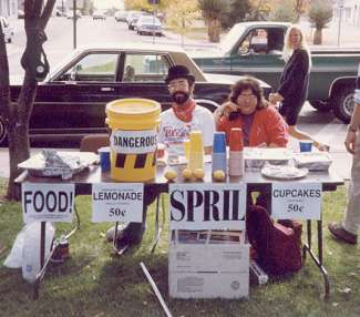 SPRIL Lemonade and Cupcake Stand